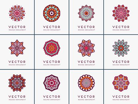 Ornament schöne Karte mit Mandalas. Geometrische Kreis-Element