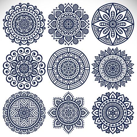 indische muster: Ornament sch�ne Karte mit Mandalas. Geometrische Kreis-Element im Vektor