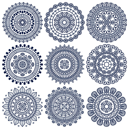 Ornament mooie kaart met mandala. Geometrische cirkel element gemaakt in vector Stock Illustratie