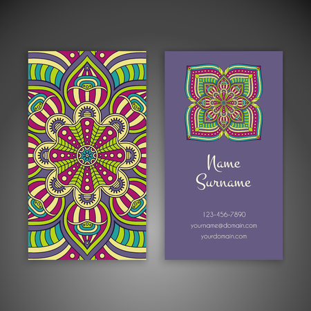 marcos redondos: Business card. Vintage decorative elements. Hand drawn background Vectores