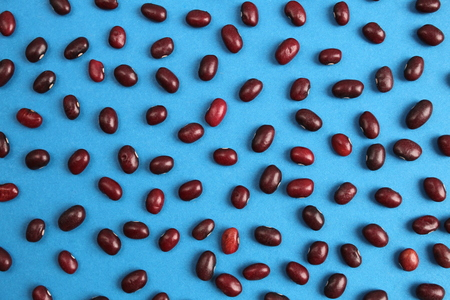 texture of red beans scattered on the table Stockfoto