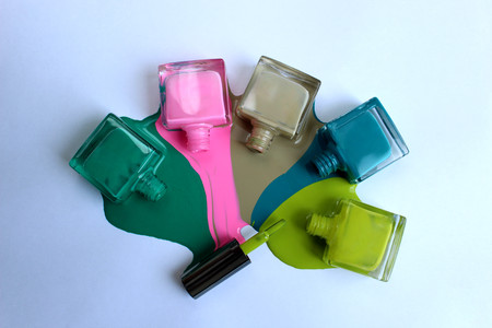 nail polish of different colors Banque d'images