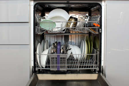 There are clean dishes in the dishwasher Stock Photo - 155928498