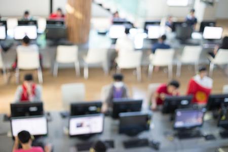 cafe internet: Internet desenfoque de fondo. Foto de archivo