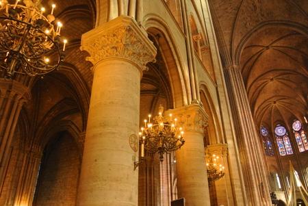 パリ教会 報道画像