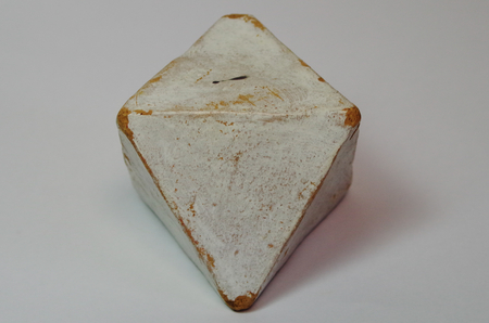 Octahedron of the Platonic solids of clay Standard-Bild - 98920931