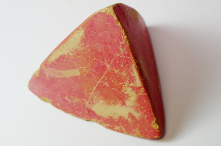 Tetrahedron made of clay in art therapy Standard-Bild - 98905112