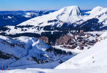 soleil: Ski slopes leading to Avoriaz, Portes du Soleil, France