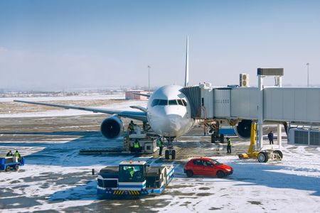 Airplane prepare to boarding at tha gate in airport terminal of Sofia, Bulgaria 版權商用圖片