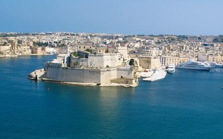 View to Vittoriosa Harbor from Valetta wall Stock Photo