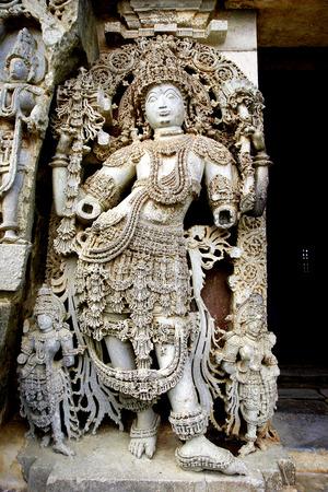 karnataka: Detalles escult�ricos, Hoysala templo, Halebidu, Karnataka, India
