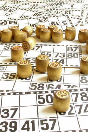 cipher: lotto cards and small lotto-casks with figures