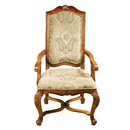 arredamento classico: Vecchio antico sedia su sfondo bianco