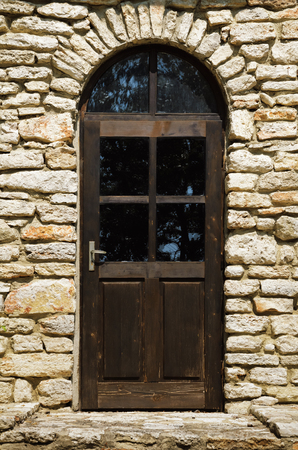 entranceway: Closed Door, Main Entrance To The House Stock Photo