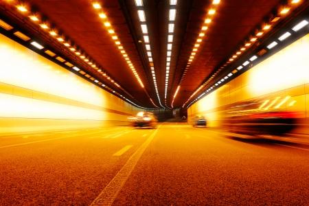 High-speed auto in de tunnel, Motion Blur