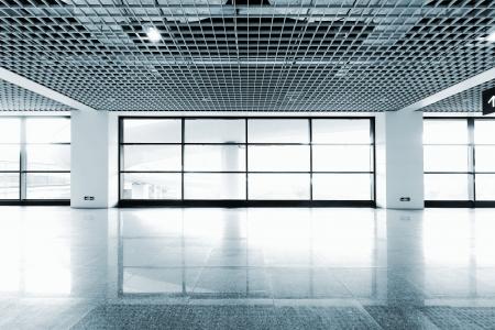 現代の建築のインテリアは上海の空港です。 報道画像