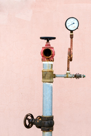 gauges: Pipes and pressure gauges