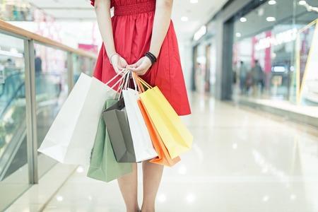 girl shopping at luxury mall in kowloon shanghai china Standard-Bild