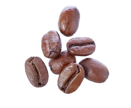 robusta: Roasted arabica coffee beans isolated on white background  DOF increased by fucus stack