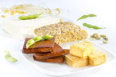viandes et substituts: Vari�t� de produits � base de soja, y compris le tofu, le tempeh et les choux.