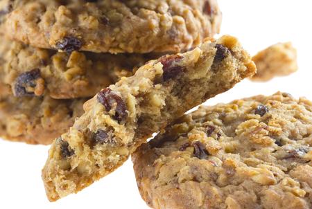 アメリカン スタイルのオートミール クッキーは、白い背景で隔離の上昇します。 写真素材