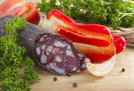 脂肪 imcorpration シュメール ソーセージと野菜を添えてください。 写真素材