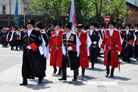 the cossacks: Cosaco desfile el 21 de abril de 2012 en Krasnodar, Rusia 7 mil cosacos de los departamentos hist?ricos del ej?rcito cosaco Kuban Editorial