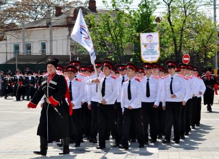 the cossacks: Cosaco desfile el 21 de abril de 2012 en Krasnodar, Rusia 7 mil cosacos de los departamentos hist�ricos del ej�rcito cosaco Kuban