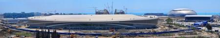 disciplines: Sochi, Rusland - 12 juni: De bouw van vijf ijs arena's in Sochi Olympisch Park op 12 juni 2012 in Sochi, Rusland voor de Olympische Winterspelen 2014. Er zullen wedstrijden voor alle olympische schaatsen disciplines, openings-en slotceremonie. Redactioneel