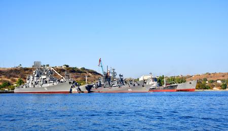 SEBASTOPOLI, Ucraina - 2 ottobre 2012 navi da guerra della Flotta del Mar Nero su 2 ottobre 2012 a Sebastopoli, Ucraina Qui � la base principale della Flotta del Mar Nero della Federazione Russa