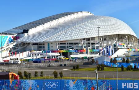 Sochi, Russia - 7 febbraio 2014: Stadio Olimpico Fisht a Sochi, in Russia per cerimonie di apertura e Giochi Olimpici Invernali 2014 di chiusura