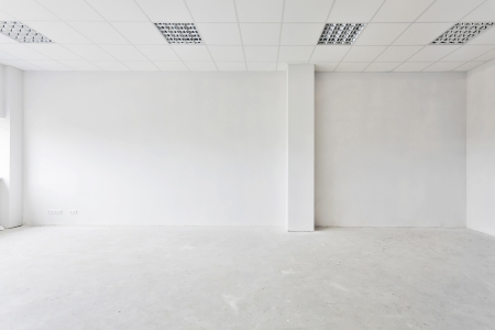 befejezetlen: Befejezetlen épület belső, fehér szobába.