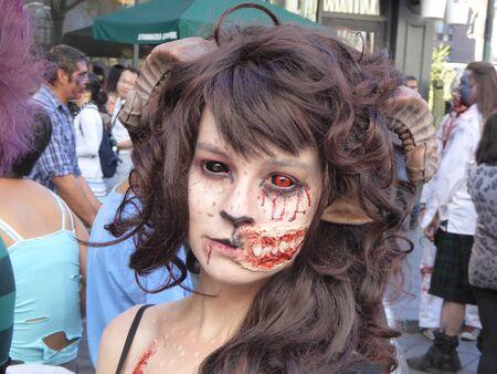 16th street mall: Gross scared girl
