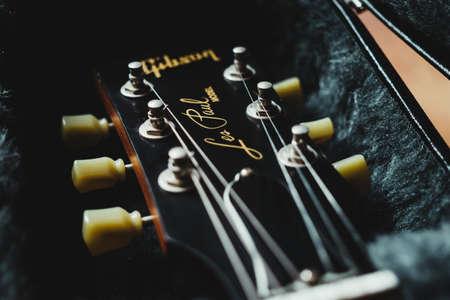 Mallorca, Spain, January 25th 2021: Les Paul electric guitar headstock. 新聞圖片