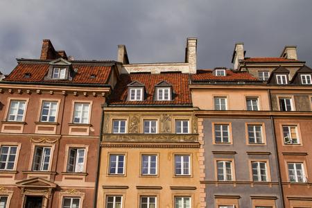 Detailansicht von Warschau, Polen historischen Hauptplatz, die Altstadt. Standard-Bild - 52167187
