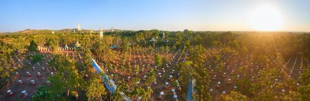 Beautiful panoramic view of the temple complex Maha Bodhi Ta Htaung with a field of seated Buddhas in the famous Buddhist region, in Monywa Township, Sagaing, Myanmar Banco de Imagens