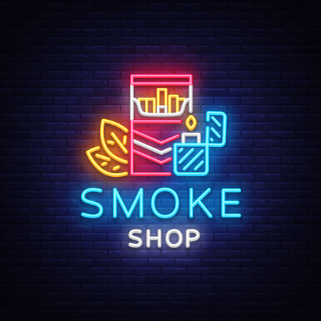 Smoke Store Logo Neon vettore. Insegna al neon del negozio di sigarette, illustrazione di vettore del modello di progettazione di vettore sul tema del tabacco, pubblicità luminosa della sigaretta di notte. Vettore Logo