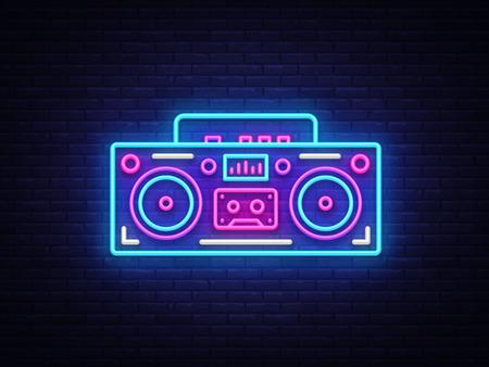 Vecteur d'enseigne au néon de magnétophone. Symbole lumineux de néon de musique rétro, bannière lumineuse de style rétro des années 80-90, icône de néon, élément de conception. Illustration vectorielle.