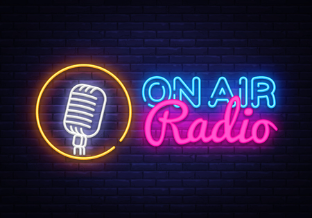 On Air Radio Neon Logo Vector. On Air Radio neon sign, design template, modern trend design, night neon signboard, night bright advertising, light banner, light art. Vector illustration Çizim