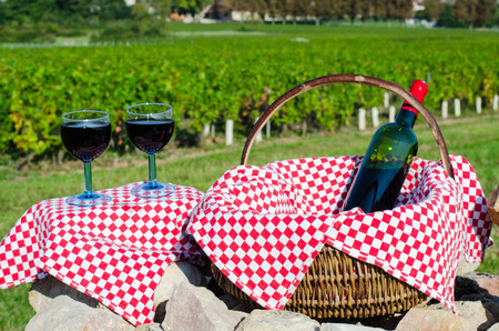 an glass of red win, burgundy, france, season summer, color, september Banque d'images