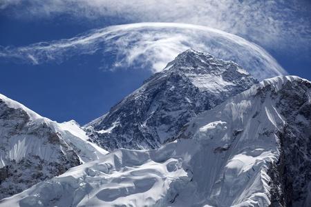 mount everest: Montieren. Everest, 8850m h�chster Berg.