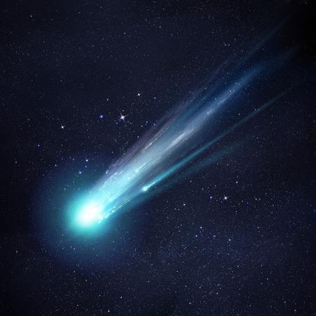Una Cometa ampio e luminoso rottura, come si arriva vicino al sole. Illustrazione Archivio Fotografico - 25636277