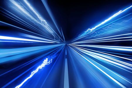 光ビーム、超高速光の道。