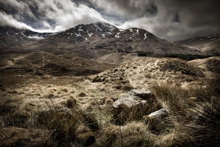 風景: スコットランドのハイランド地方を風景します。イギリスの山脈