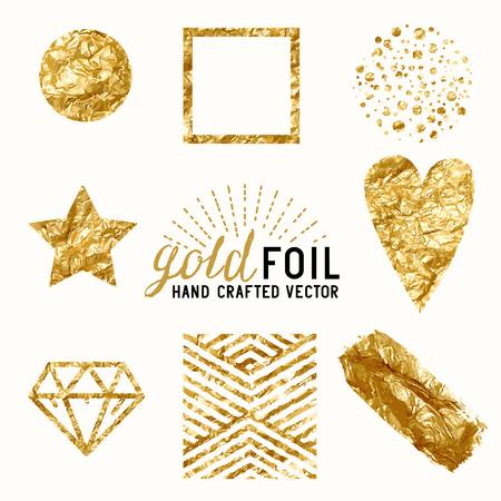 Gold Foil Effect Set. Une collection d'éléments de feuille d'or, y compris la poussière d'or, enveloppe de feuille d'or, des points d'or et de motifs. Vecteurs