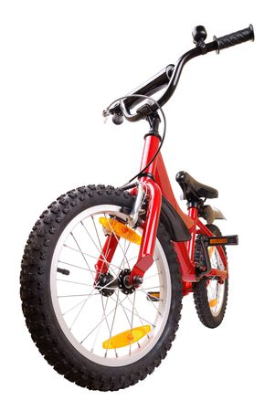 ni�os en bicicleta: Nueva bicicleta roja aisladas sobre fondo blanco Foto de archivo