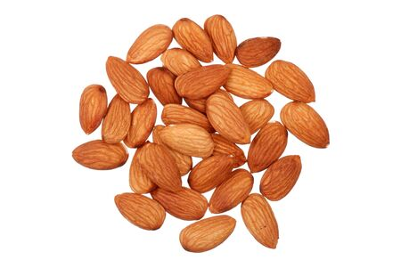 punhado: Handful of almonds nuts isolated on white