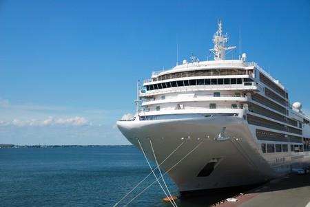 ocean liner: The passenger ship expects passengers in port