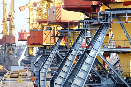 undercarriage: Industrial port. Chassis port cranes.