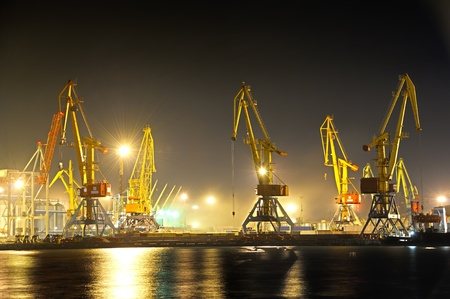 the industrial port at night 스톡 콘텐츠